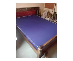 Elegant 5x6 Mahogany Bed with Mattress