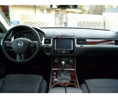 2012 Volkswagen Touareg TDI Very Clean and in good condition