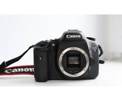 Canon 7D body only + 32GB memory