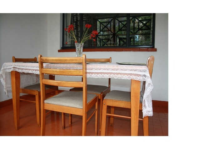 4 seater dining table Nairobi Deals in Kenya Free  : 2981 from www.dealkenya.com size 640 x 480 jpeg 61kB