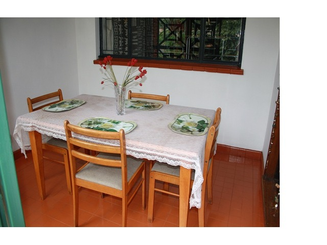 4 seater dining table Nairobi Deals in Kenya Free  : 2982 from www.dealkenya.com size 640 x 480 jpeg 63kB