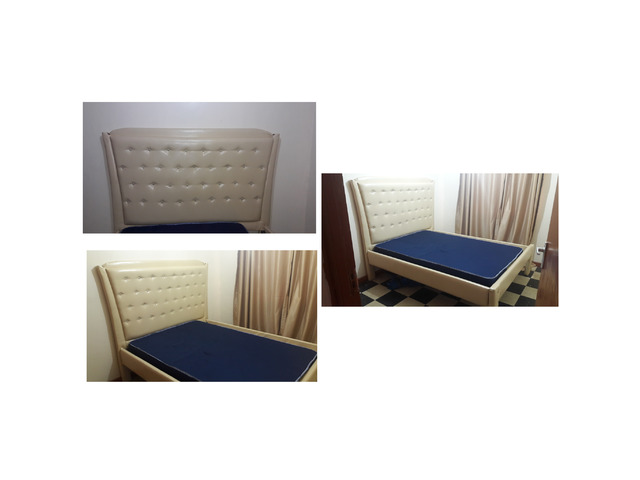 5 by 6 tufted bed