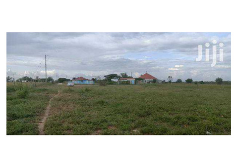 PLOTS WITH READY TITLES FOR SALE IN KITENGELA - KSH.550,000
